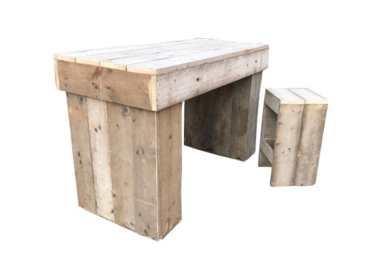 Set receptietafel steigerhout met 6 bijhorende barkrukken steigerhout